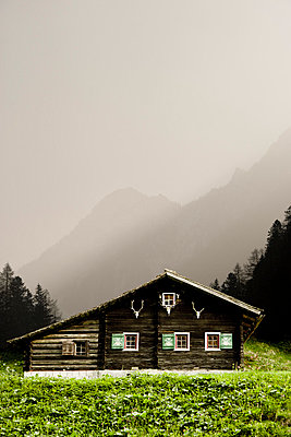 Alpine cabin - p2481132 by BY