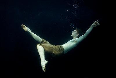 underwater Ballet Dancer - p1554m2158958 by Tina Gutierrez