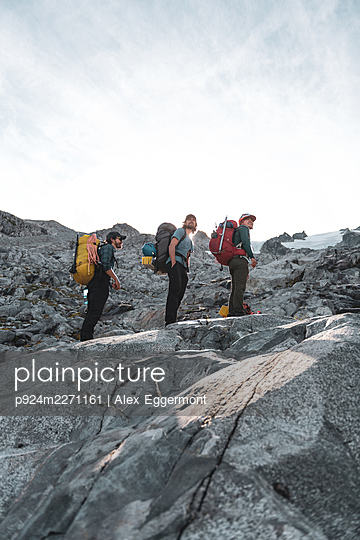 Climbers on Tantalus Traverse, a classic alpine traverse close to Squamish, British Columbia, Canada - p924m2271161 by Alex Eggermont