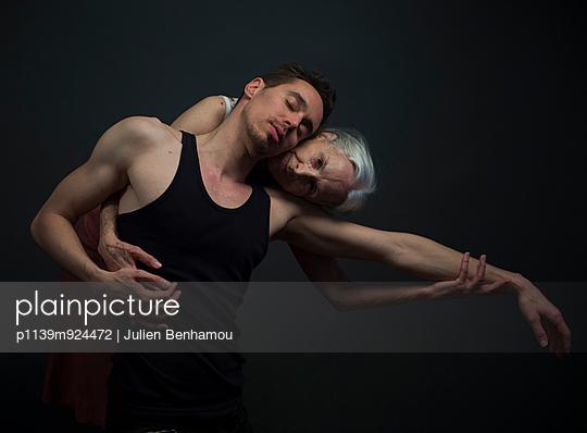 Dancers - p1139m924472 by Julien Benhamou