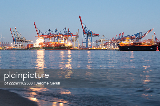 Containerhafen Elbstrand - p1222m1162569 von Jérome Gerull