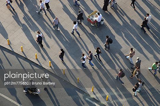 p912m775880 von Bruno Barbey