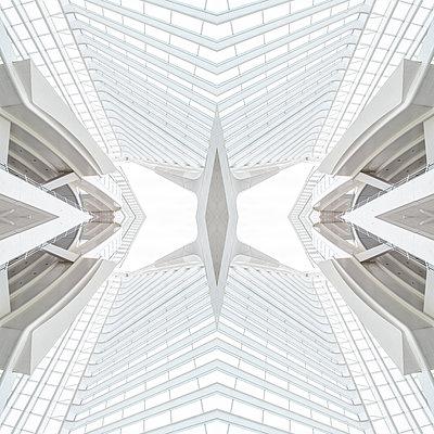 Abstract kaleidoscope pattern Liège-Guillemins station in Liège - p401m2209304 by Frank Baquet