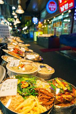 Nandaemun food market, Seoul, South Korea, Asia - p871m927429 by Christian Kober