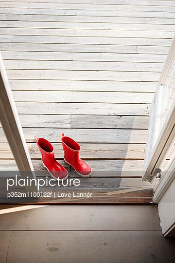 p352m1100122f von Love Lannér