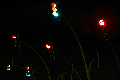 Traffic lights at night - p913m1496726 by LPF