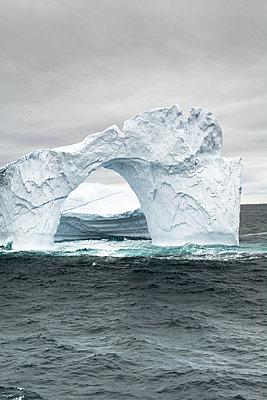 Eisberg - Melville Bay - p1486m2082904 von LUXart