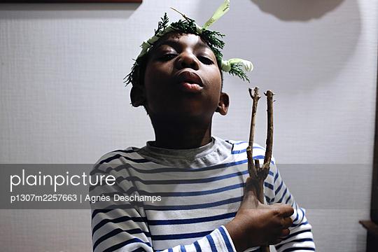Boy with a vegetal Crown - p1307m2257663 by Agnès Deschamps