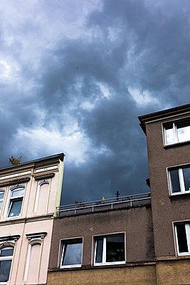 Himmel und Haus - p1611m2195536 von Bernd Lucka