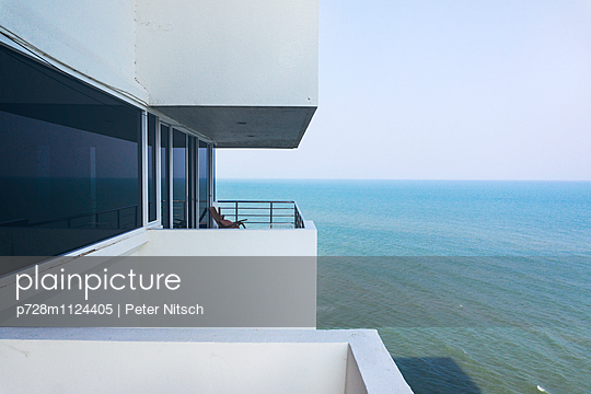 Meerblick - p728m1124405 von Peter Nitsch