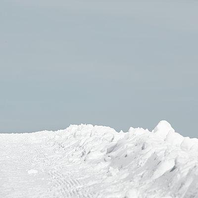Winterlandschaft - p647m1119965 von Tine Butter