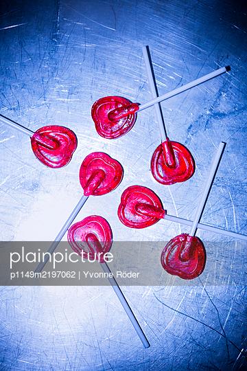 Heartshaped lollipops - p1149m2197062 by Yvonne Röder