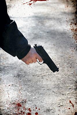 Gun in the hand - p450m2065258 by Hanka Steidle
