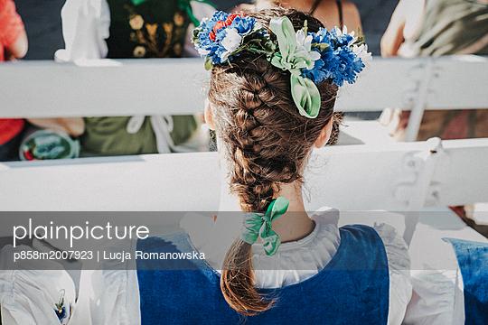 Zopf und Blumen - p858m2007923 von Lucja Romanowska
