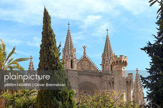 The Cathedral of Palma de Mallorca  - p885m1424890 by Oliver Brenneisen