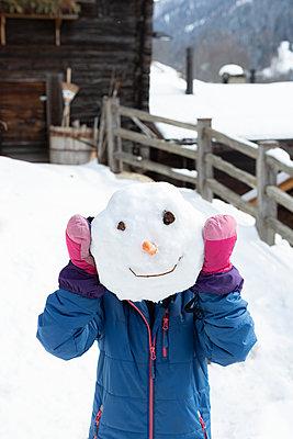 Snowman head - p454m2209964 by Lubitz + Dorner