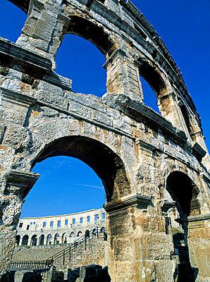Roman Amphitheatre - p6510222 by Alan Copson