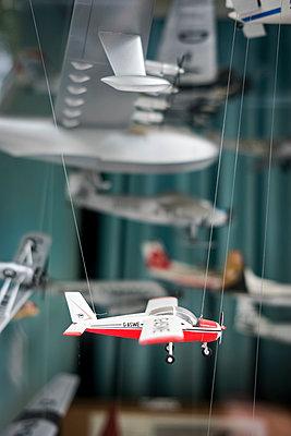 Model airplane - p229m1477306 by Martin Langer