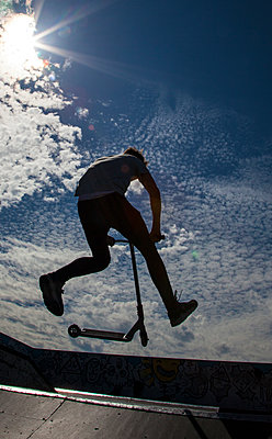 Skateboarder - p669m1520544 by David Harrigan