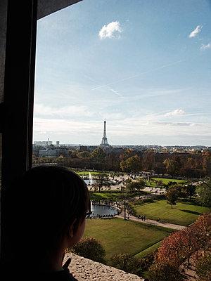 Eiffel tower - p1499m2013690 by Marion Barat