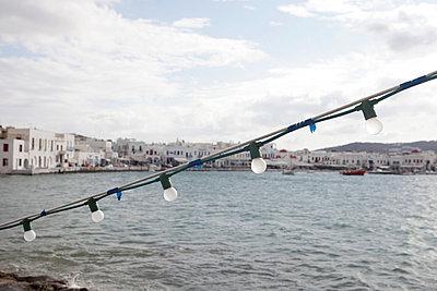 Lichterkette am Hafen - p0452882 von Jasmin Sander