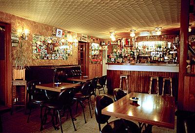 empty bar - p5671903 by Stanislas Wolff