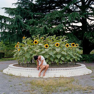 Sad - p1083m945667 by Alain Greloud