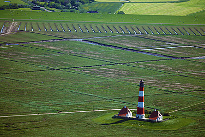 Lighthouse Westerhever Sand - p1016m2064636 by Jochen Knobloch