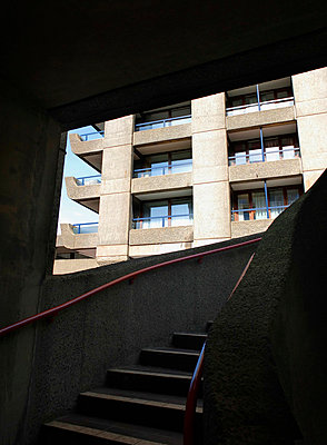 Steps and apartment building within the Barbican Centre  - p1072m829226 by Neville Mountford-hoare