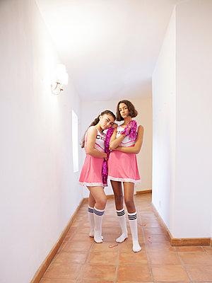 Zwei Cheerleader - p1105m2128793 von Virginie Plauchut