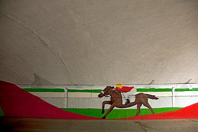 Rennpferd Wandbild - p382m808109 von Anna Matzen
