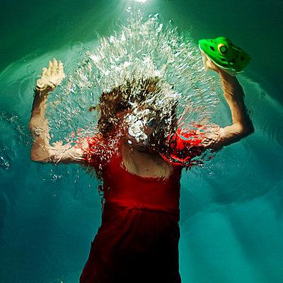 Underwater Frog - p1375m1476893 by Alyz Tale