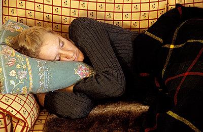 Mittagschlaf auf Sofa - p2190107 von Carsten Büll