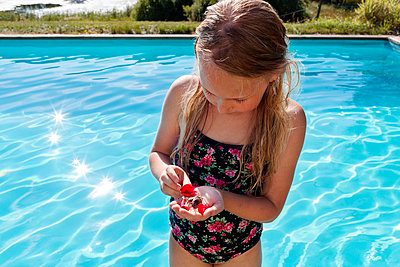 Girl at swimming-pool - p312m2162211 by Johner