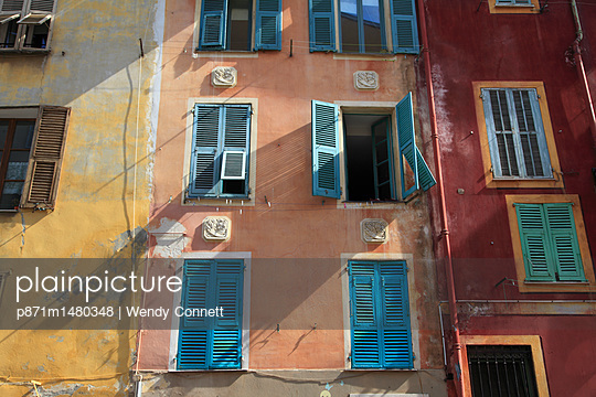 Old Town, Vieux Nice, Nice, Cote d'Azur, French Riviera, Alpes Maritimes, Provence, France, Europe - p871m1480348 by Wendy Connett