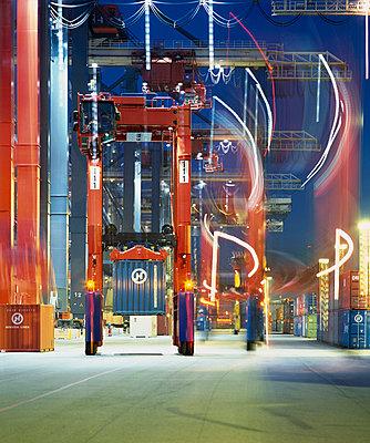 Containerhafen - p416m991094 von Dominik Reipka