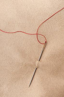 Needle and thread - p971m1060864 by Reilika Landen