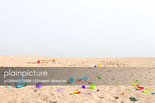Abandoned toys on Margate beach - p1289m2172566 by Elisabeth Blanchet