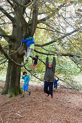 Grandpa showing his strength - p1231m2013896 by Iris Loonen