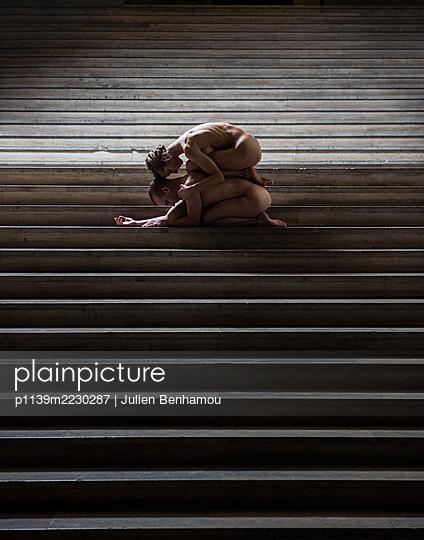 Naked Dancing couple - p1139m2230287 by Julien Benhamou