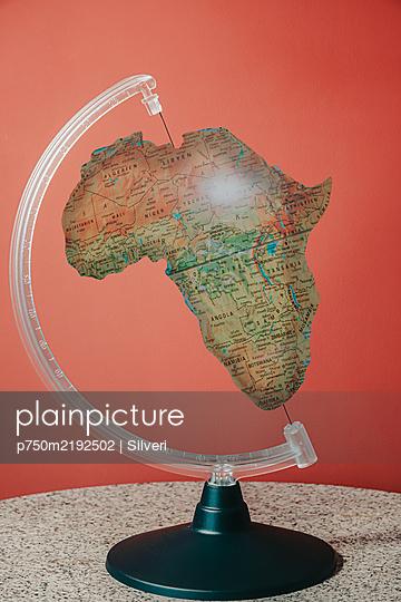 Africa, splintered globe - p750m2192502 by Silveri
