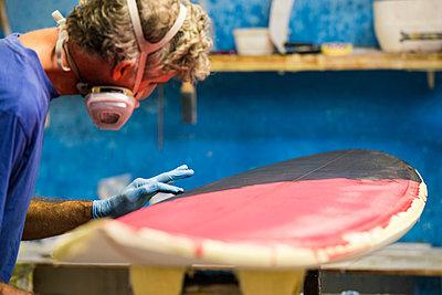 Surfbrett-Werkstatt - p1142m1000503 von Runar Lind
