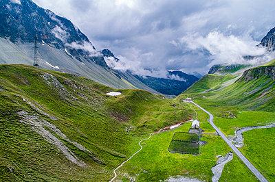 Switzerland, Graubuenden Canton, Aerial view of Albula Pass - p300m2024077 by Stefan Schurr