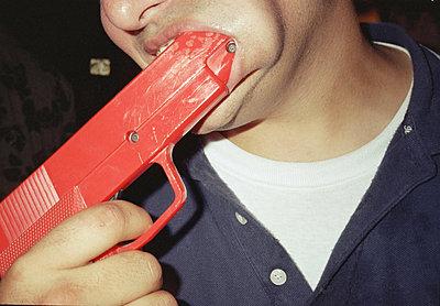 Mike gun  - p5670526 by Jesse Untracht-Oakner