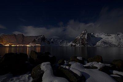 Lofoten at night - p1399m1559219 by Daniel Hischer