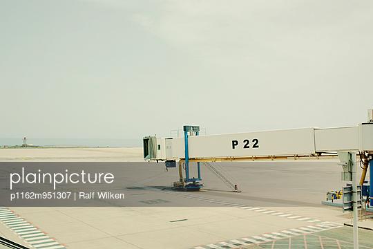 Airport - p1162m951307 by Ralf Wilken