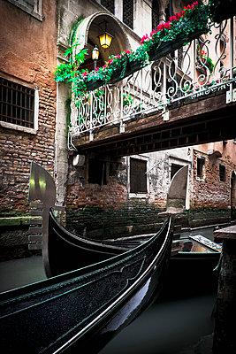 Venezianische Gondeln - p1149m1332995 von Yvonne Röder