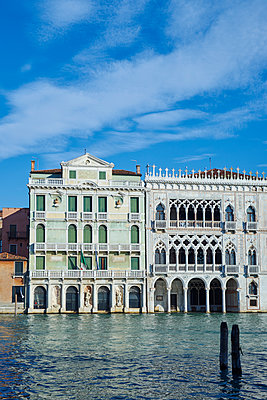Häuserzeile in Venedig - p1312m1575205 von Axel Killian