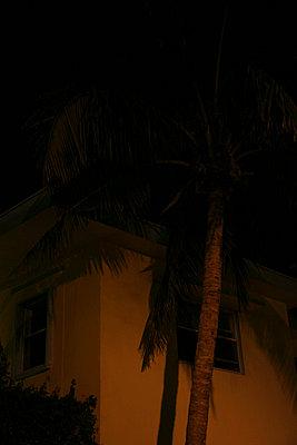 House corner - p6270201 by bobsairport