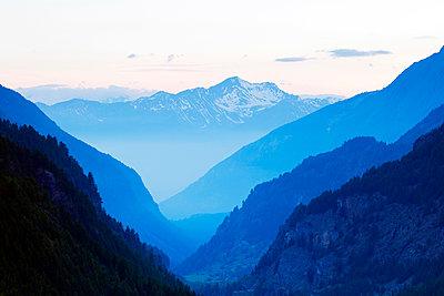 Europe, Italy, Italian Alps, Aosta Valley, La Lechere - p652m1487635 by Christian Kober